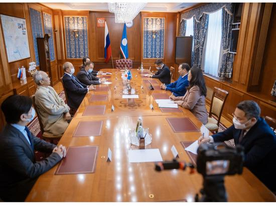 Глава Якутии встретился с Административным директором Японского комитета по содействию республике