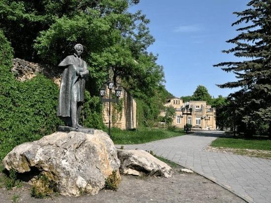 В старейшем сквере Железноводска появится водяной экран для кинопоказов