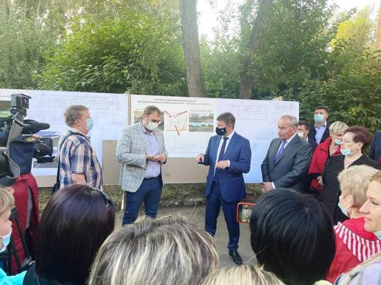 С жителями Ленинского района обсудили возведение новой школы на ул. Глинки