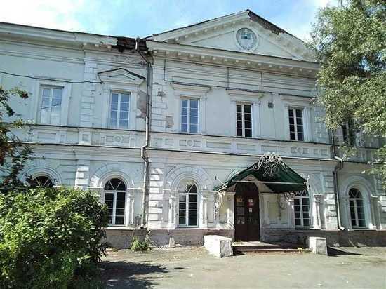 Как памятники архитектуры в Барнауле превращаются в дома-призраки
