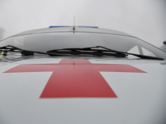 В Урюпинске автоледи попала в больницу после тарана клумбы