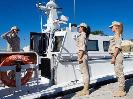 Женский экипаж ЧФ будет участвовать в Главном Военно-Морском параде