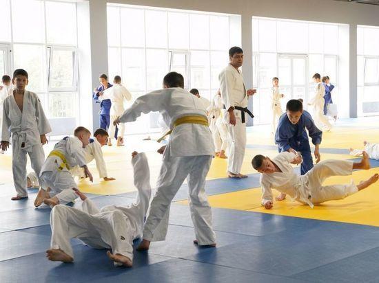Во Владикавказе открыли центр подготовки по спортивной борьбе