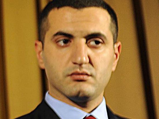 2 Но Давид Кезерашвили находится во Франции и осужден заочно