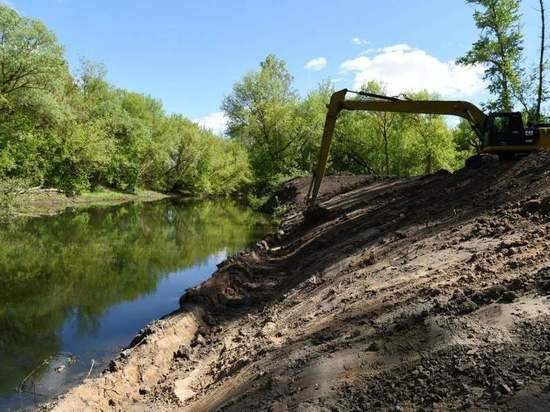 В Курске на втором этапе расчистки протоки Кривец возникли трудности с коммуникациями