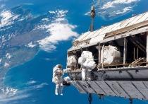 Сегодня ночью в российском модуле «Звезда» на Международной космической станции сработала пожарная сигнализация. Экипаж сообщил о запахе сгоревшего пластика и дыме.