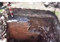 Неизвестную каменную постройку обнаружили на территории Снетогорского монастыря