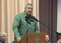 """Глава """"Роскосмоса"""" Дмитрий Рогозин считает, что вся ответственность за удручающее состояние второго летного экземпляра орбитального корабля """"Буран"""", а также макета корабля и ракеты """"Энергия-М"""", хранящихся на Байконуре, лежит на их нынешнем владельце"""