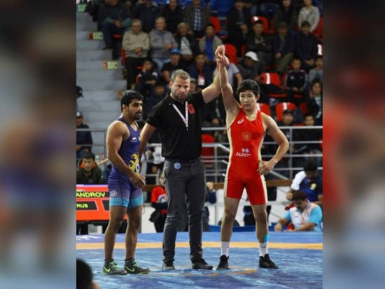 Борцы из Якутии участвуют на международном турнире Гран-при