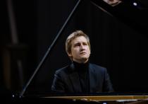 Известный пианист Дмитрий Маслеев выступит в Пскове с концертом