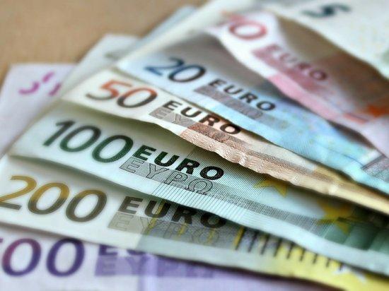 Германия: Невакцинированным перестанут выплачивать зарплату, в случае карантина