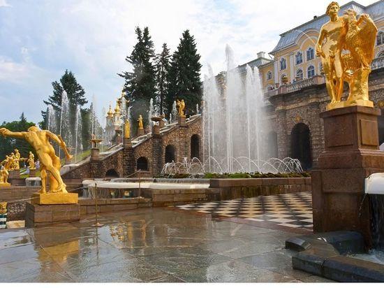 «Осторожно, мошенники»: «Петергоф» предупредил о продаже билетов на отмененный праздник фонтанов