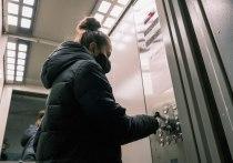 На сегодняшний день подрядчики продолжают устанавливать 272 новых лифта в 91 многоквартирном доме