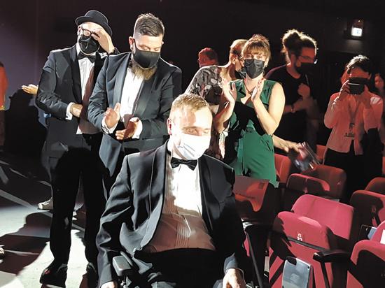 На Венецианский фестиваль приехал парализованный финский актер и победил
