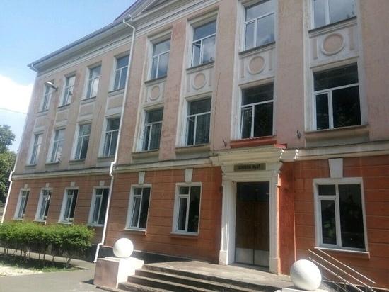 Бабашов: работа по замене окон в школах Крыма выполнена на 90%