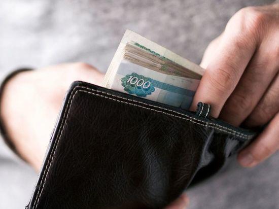 Петербургским водителям общественного транспорта повысили зарплату