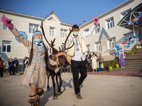 В селе Харыялах Оленекского района Якутии открылась школа-сад
