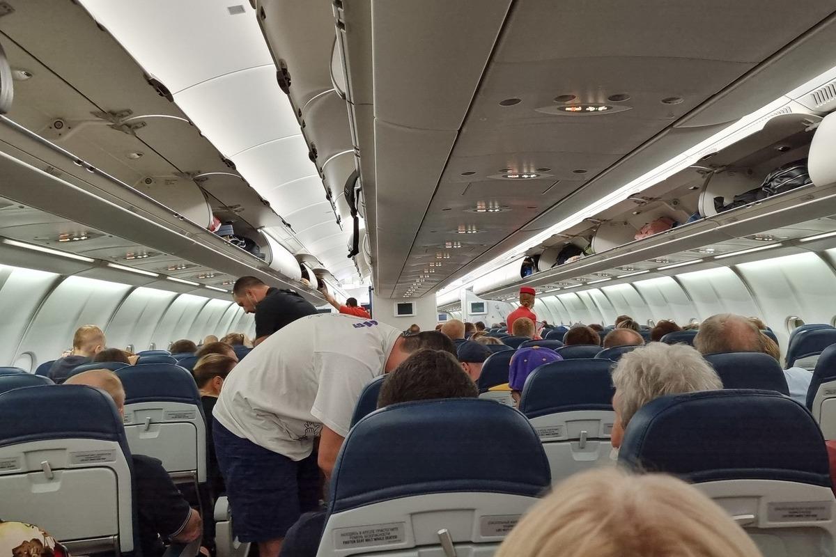 Россия решила снять ограничения на авиасообщение с Белоруссией
