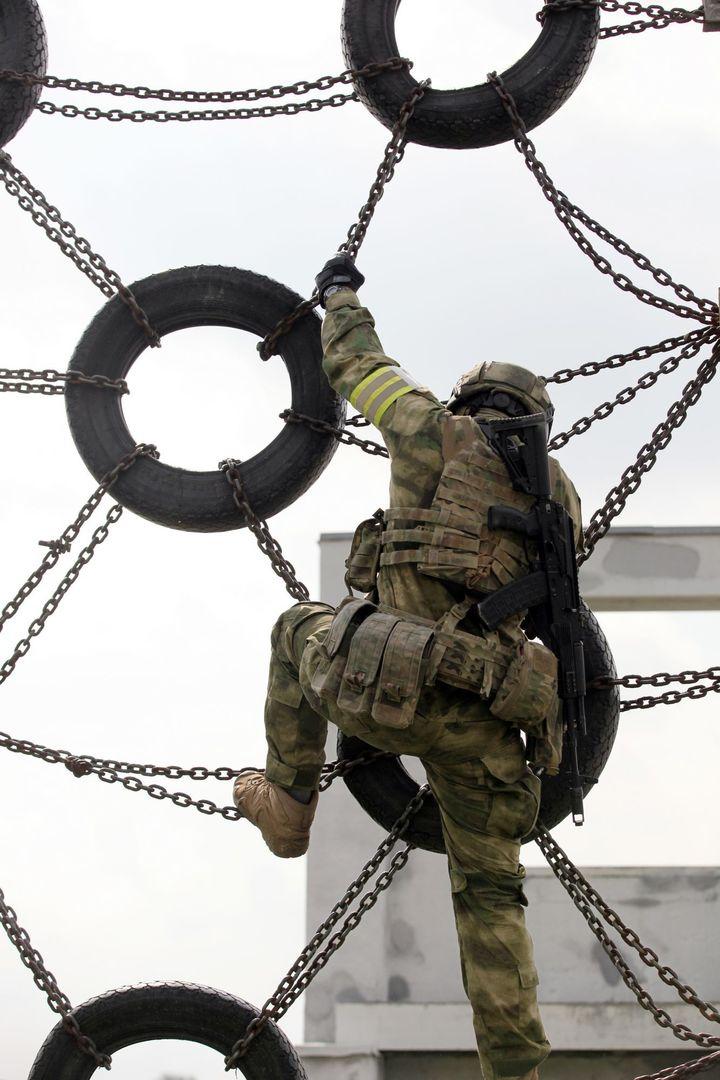 В Подмосковье прошла тренировка бойцов «Витязя»