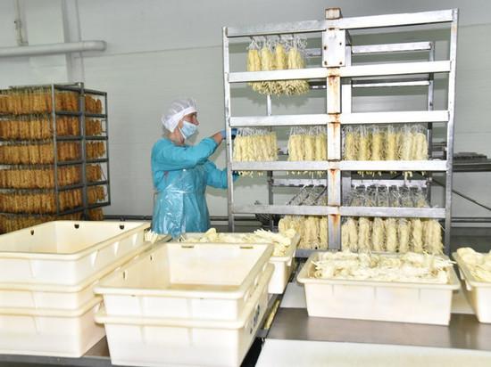 Губернатор Травников поддержал местных производителей пищевой продукции