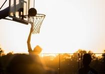 Соревнования по уличному баскетболу пройдут в Великих Луках