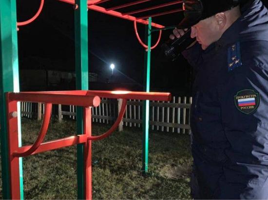 В Томпонском районе Якутии на детской площадке погиб ребенок