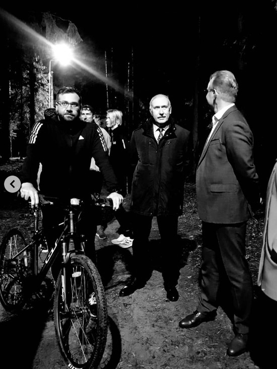 Мэр Иваново Владимир Шарипов в темноте прогулялся по ночному парку Харинка