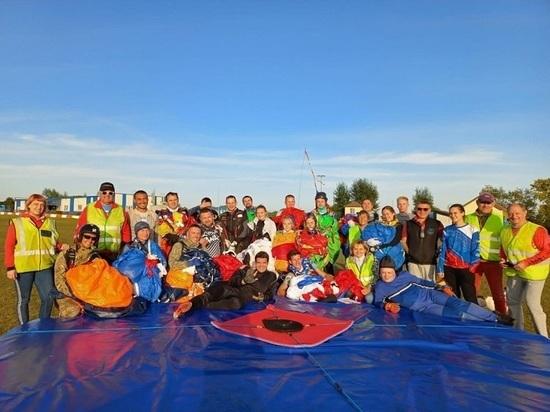 Читинские парашютисты на соревнованиях взяли Кубок Новосибирской области