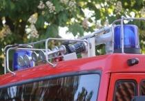 Пожар на нефтебазе в Донецке ликвидируют 5 пожарных машин
