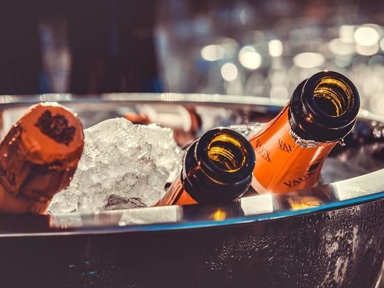 Комитет вин Шампани решил возобновить поставки шампанского в Россию