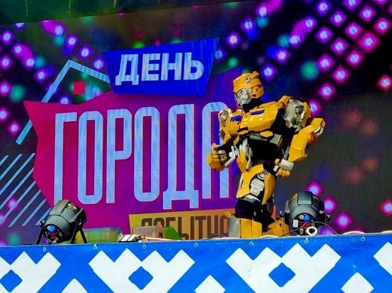 Шоу роботов и завершение мотосезона: День города празднуют жители Лабытнанги