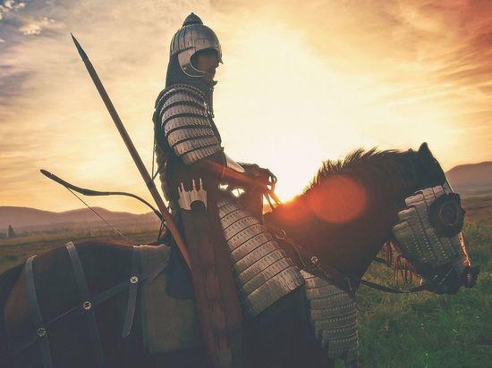 У стен Петропавловки стартовал военно-исторический фестиваль «Невская битва»