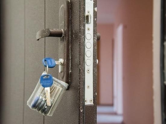 Юрист Соловьев: договор дарения жилья скрывает риски для пенсионеров