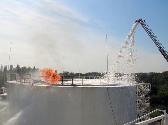 Причиной взрыва нефтебазы в Донецке стал теракт
