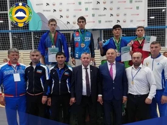 Борцы Карачаево-Черкесии привезли пять медалей с мирового первенства
