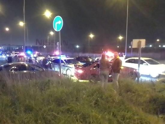 Полицейские помешали гонке стритрейсеров на Комендантском проспекте