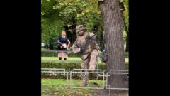 Перепугавших жителей Риги солдат сняли на видео: проводили учения