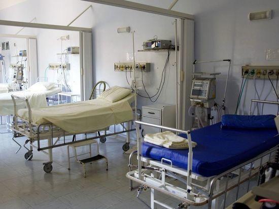 Более 40 петербуржцев скончались от коронавируса за сутки