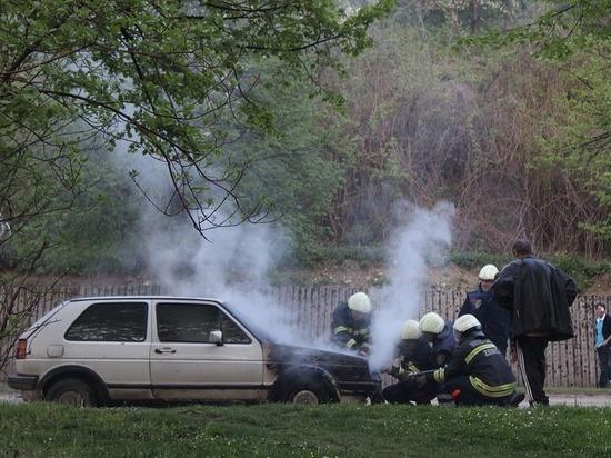В Кемеровской области за ночь загорелись три автомобиля