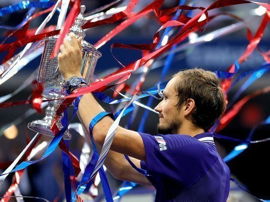 Появилось видео момента победы теннисиста Медведева
