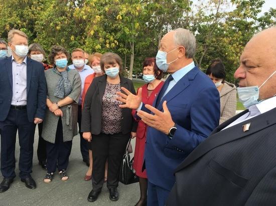 Саратовскому губернатору хором пожелали не болеть