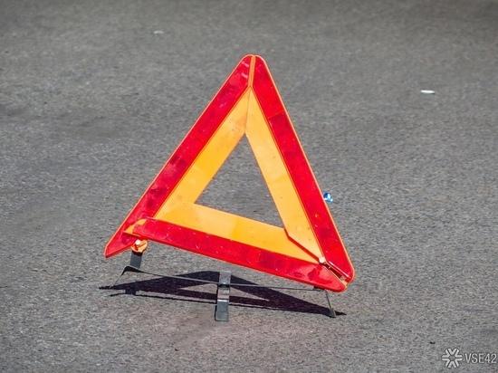 Под Кемеровом около автозаправки случилось ДТП