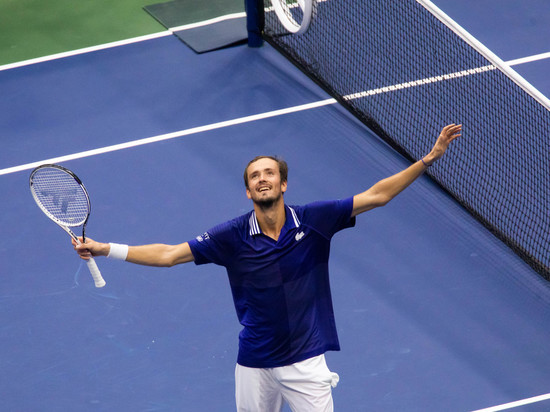 Медведев официально квалифицировался на итоговый турнир ATP