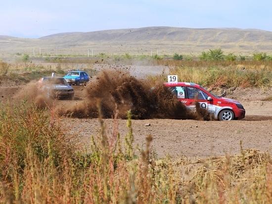 Гонщик из Абакана стал победителем II этапа чемпионата по автокроссу