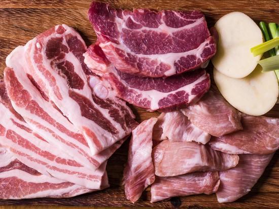 Куда жаловаться на некачественное мясо и рыбу, рассказал псковичам Роспотребнадзор