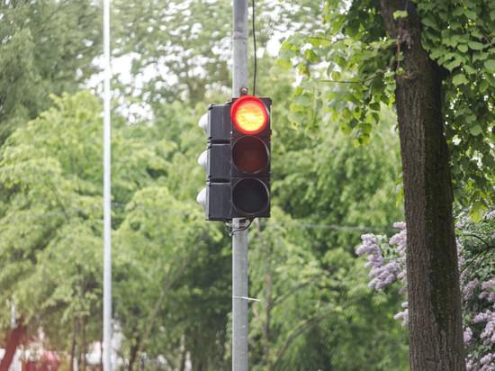 Четыре новых светофора появятся в Пскове до 15 декабря