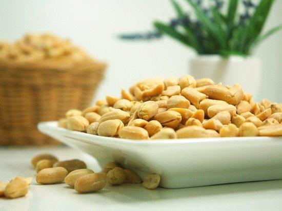 Несколько орехов арахиса в день помогают снизить риск инсульта