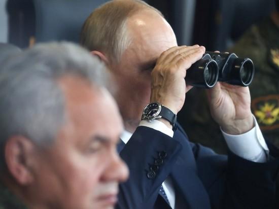 Российские боевые роботы выступили перед Путиным на учениях