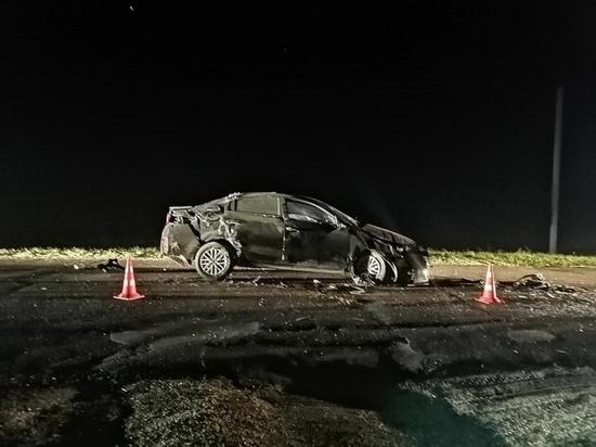 Под Курском в перевернувшейся машине ранена девушка