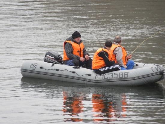 Застрявших на острове рыбаков спасли в Новосибирской области